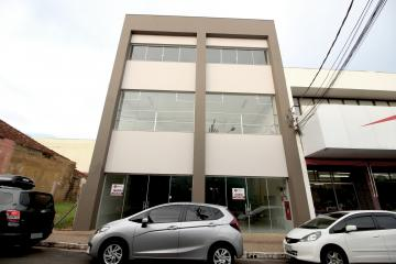 Marilia Centro comercial Locacao R$ 20.000,00  30 Vagas Area construida 1000.00m2